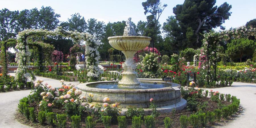 garden park in madrid